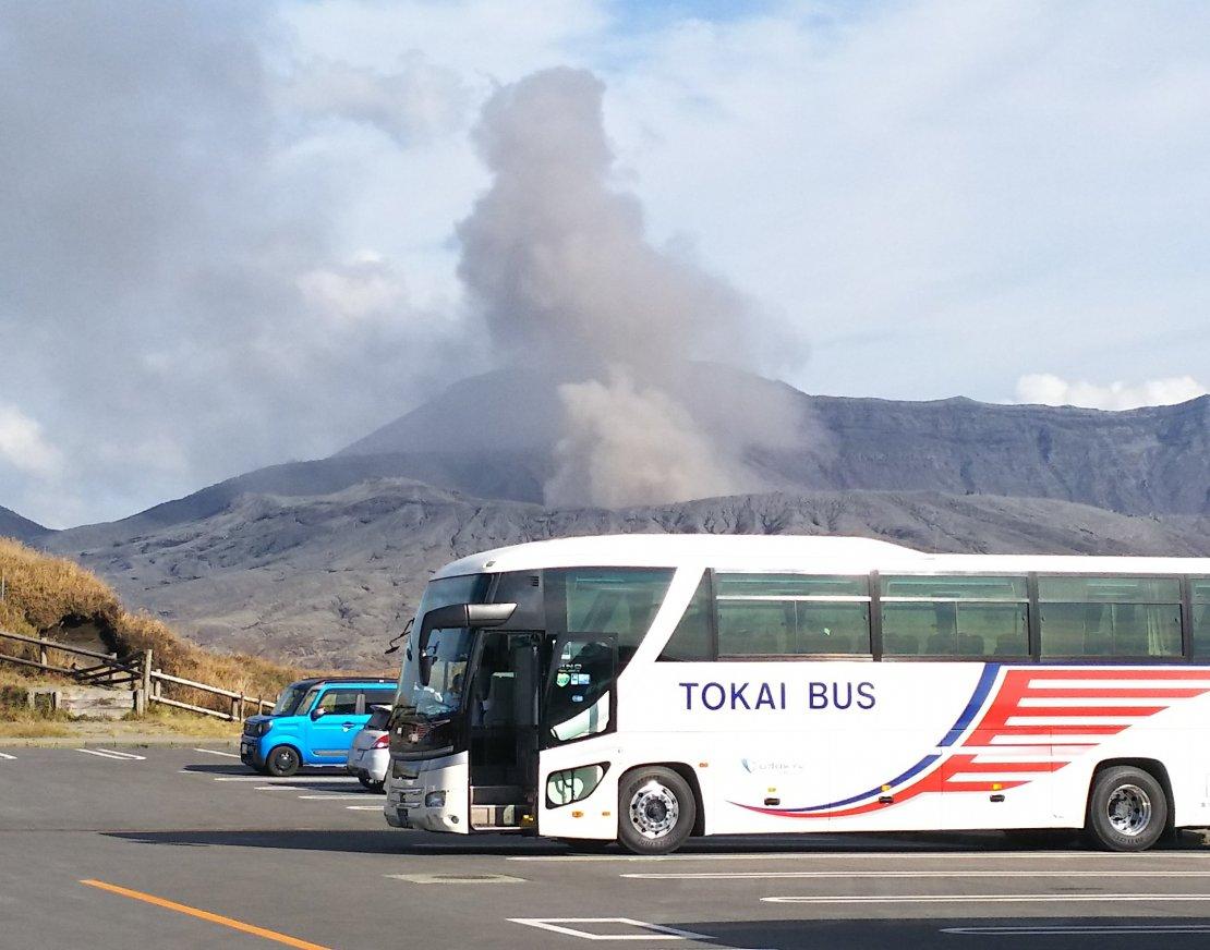 東海バス1039と阿蘇山 DSC_0618